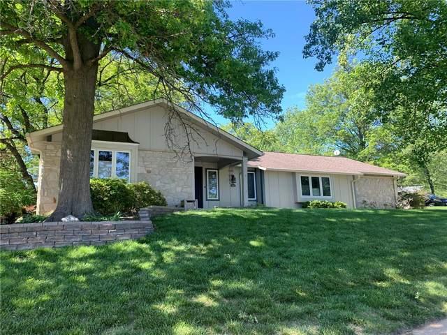 413 Glenmeadow, Ballwin, MO 63011 (#21028145) :: PalmerHouse Properties LLC