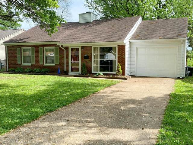 4110 Shirley Drive, Belleville, IL 62226 (#21028842) :: Parson Realty Group