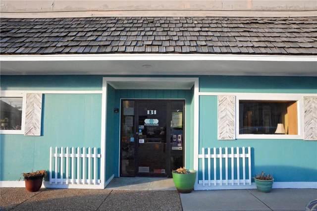 135 E Ferguson Avenue, Wood River, IL 62095 (#21028998) :: Tarrant & Harman Real Estate and Auction Co.
