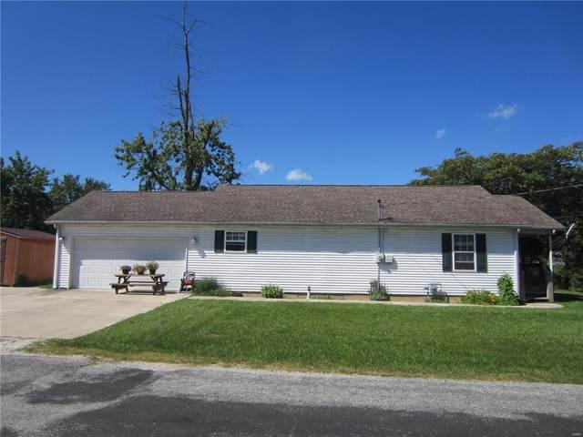 608 E Carpenter Street, Jerseyville, IL 62052 (#21029607) :: Parson Realty Group