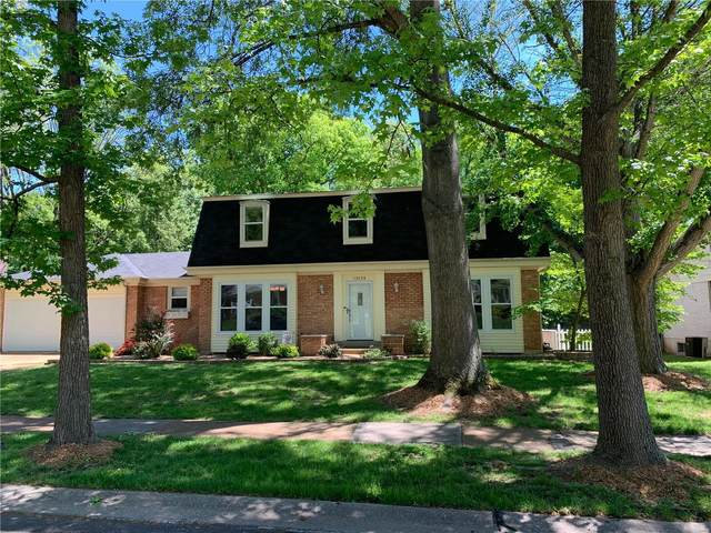 13124 Oldfarm Drive, St Louis, MO 63146 (MLS #21029745) :: Century 21 Prestige