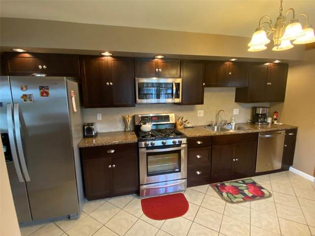 2516 Reveres Rte., Granite City, IL 62040 (#21029784) :: Parson Realty Group