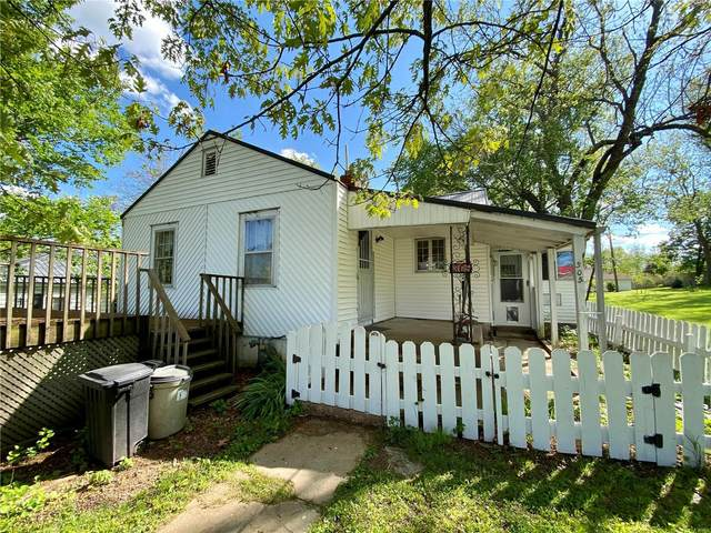 305 E National, Richland, MO 65556 (#21030474) :: RE/MAX Professional Realty