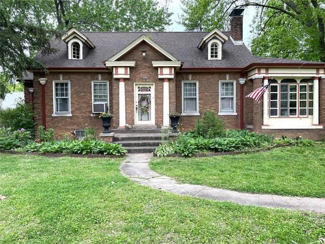 111 Julia Place, Belleville, IL 62221 (#21030741) :: Tarrant & Harman Real Estate and Auction Co.