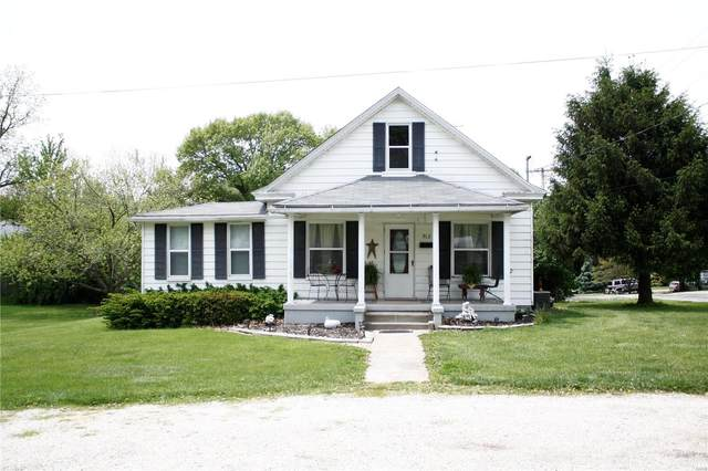 912 Warren Street, Jerseyville, IL 62052 (#21031061) :: Tarrant & Harman Real Estate and Auction Co.