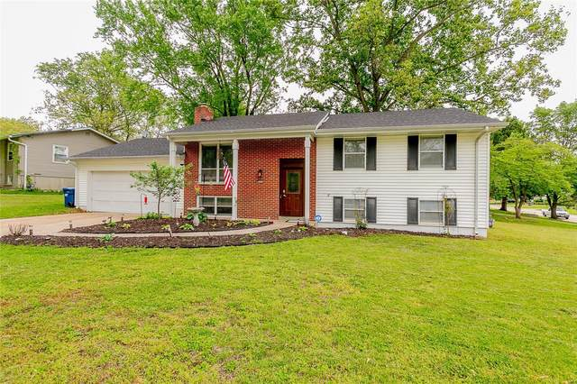 2850 Broadview Avenue, Maryland Heights, MO 63043 (#21031596) :: Terry Gannon | Re/Max Results