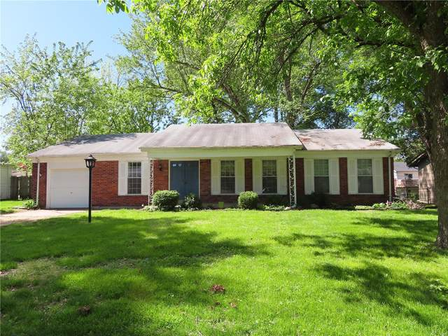 12526 Larkwood Drive, St Louis, MO 63146 (#21031775) :: The Becky O'Neill Power Home Selling Team