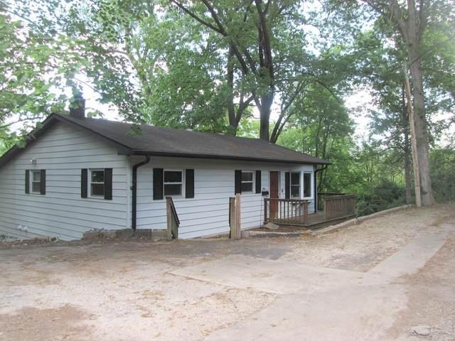 305 W Van Buren, Belleville, IL 62220 (#21032097) :: Tarrant & Harman Real Estate and Auction Co.
