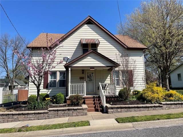 433 E Alton Street, NASHVILLE, IL 62263 (#21032438) :: Terry Gannon | Re/Max Results