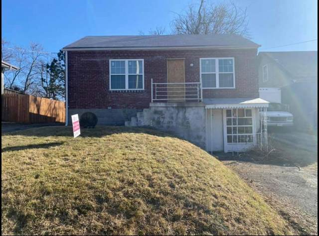 10544 Lackland, St Louis, MO 63114 (#21034524) :: Clarity Street Realty