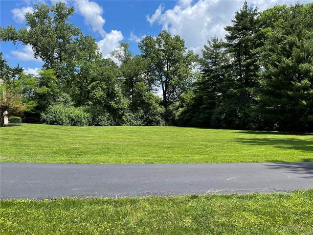 2805 N Geyer, St Louis, MO 63131 (#21037401) :: Kelly Hager Group | TdD Premier Real Estate
