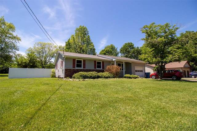 207 S Greenbriar, CARTERVILLE, IL 62918 (#21037503) :: Parson Realty Group