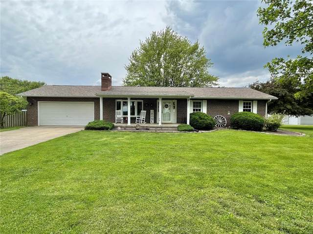 1003 Elm Street, Hillsboro, IL 62049 (#21037684) :: The Becky O'Neill Power Home Selling Team