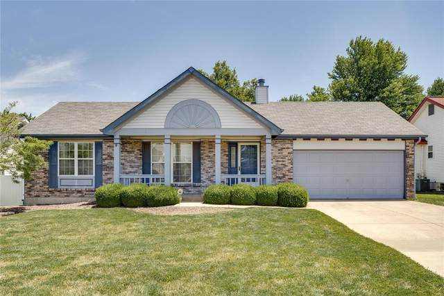 3 Green Pine Circle, Saint Peters, MO 63376 (#21038092) :: The Becky O'Neill Power Home Selling Team