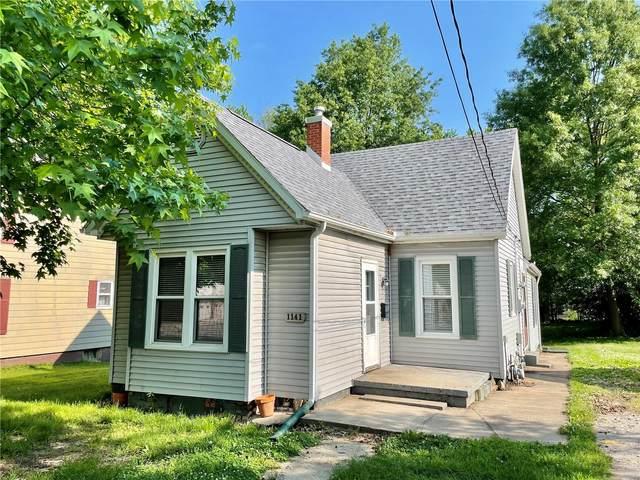 1141 School Street, Hillsboro, IL 62049 (#21038242) :: The Becky O'Neill Power Home Selling Team