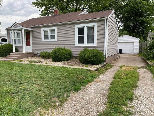 219 W County Lane, Jerseyville, IL 62052 (#21038303) :: Walker Real Estate Team