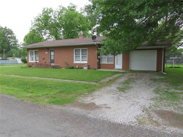 403 W Osie Street, GILLESPIE, IL 62033 (#21038313) :: The Becky O'Neill Power Home Selling Team