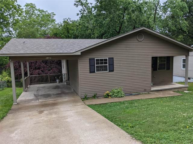 1347 Mill Street, Poplar Bluff, MO 63901 (#21038534) :: Jeremy Schneider Real Estate
