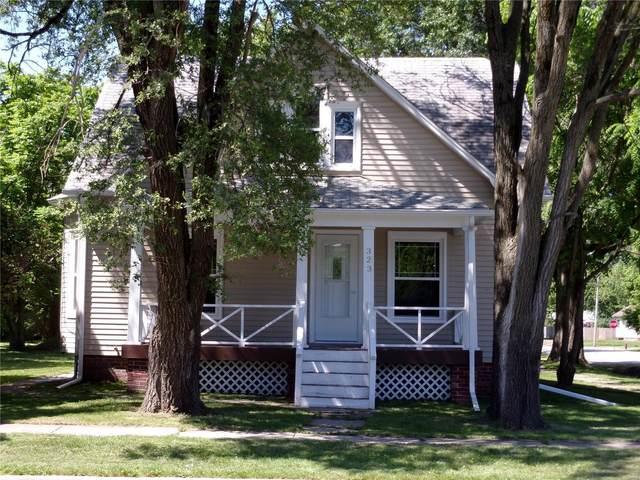 323 N Pine Street, NOKOMIS, IL 62075 (#21038950) :: Fusion Realty, LLC