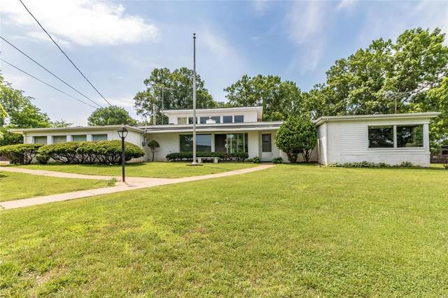 3770 S Lakeshore Drive, Byrnes Mill, MO 63051 (#21039018) :: Jeremy Schneider Real Estate