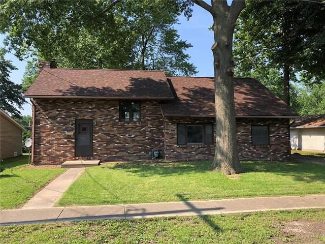 715 W Mill, STAUNTON, IL 62088 (#21039508) :: Clarity Street Realty