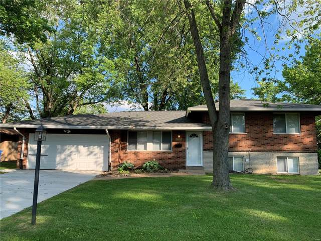 1900 Apple Blossom, Florissant, MO 63031 (#21039680) :: Parson Realty Group