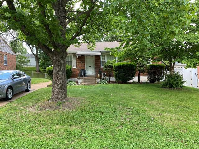 8935 Blackpool Drive, St Louis, MO 63123 (#21040653) :: Parson Realty Group