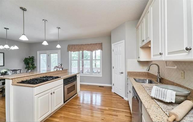 2056 Hawks Landing, Lake St Louis, MO 63367 (#21041743) :: Kelly Hager Group | TdD Premier Real Estate