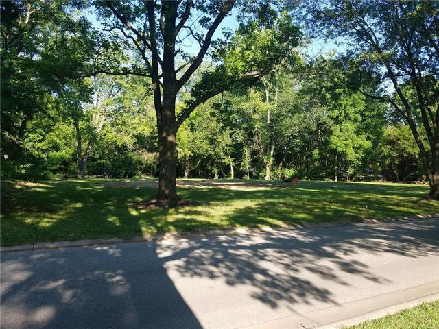 8 Chasselle, Creve Coeur, MO 63141 (#21041897) :: Elevate Realty LLC