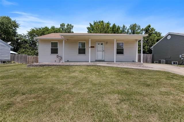 1347 Shallow Lake, O'Fallon, MO 63366 (#21041971) :: Kelly Hager Group   TdD Premier Real Estate