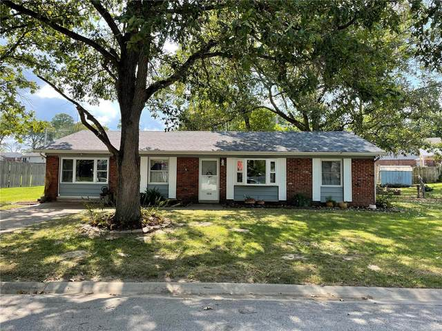 5808 Piasa Trail, Godfrey, IL 62035 (#21042057) :: The Becky O'Neill Power Home Selling Team
