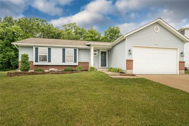 1157 Monza Drive, Saint Peters, MO 63303 (#21042279) :: Kelly Hager Group | TdD Premier Real Estate