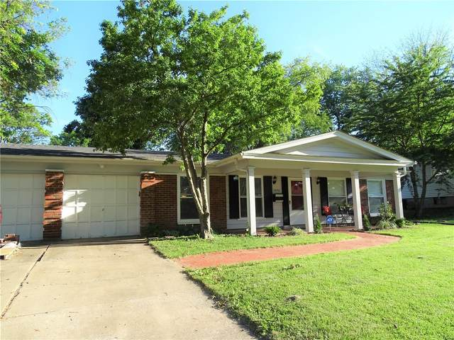 3570 Stonehaven Drive, Florissant, MO 63033 (#21042487) :: Krch Realty
