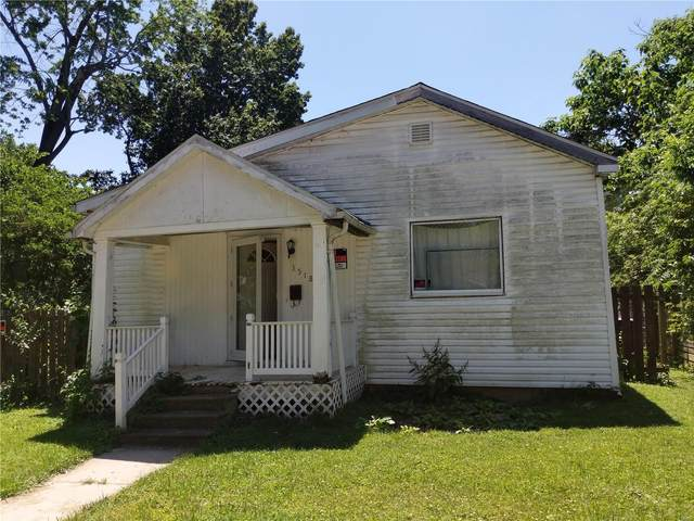 3518 Summit Avenue, Belleville, IL 62226 (#21043499) :: Tarrant & Harman Real Estate and Auction Co.