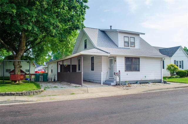 409 W White Street, Millstadt, IL 62260 (#21043741) :: Hartmann Realtors Inc.