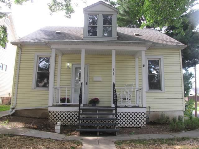 701 Saint Clair Avenue, Belleville, IL 62220 (#21043877) :: Fusion Realty, LLC