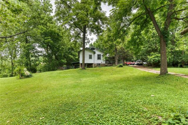 14 Cumberland Avenue, Maryland Heights, MO 63043 (#21044065) :: Reconnect Real Estate