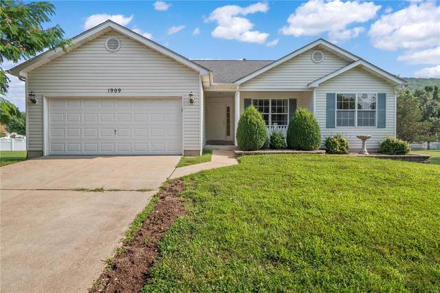 1909 Mid Summer Drive, Imperial, MO 63052 (#21044226) :: The Becky O'Neill Power Home Selling Team