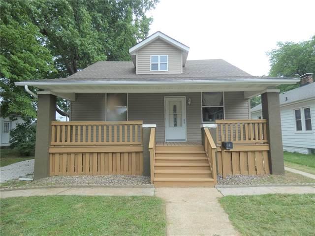 18 Iowa Avenue, Belleville, IL 62220 (#21045033) :: Parson Realty Group