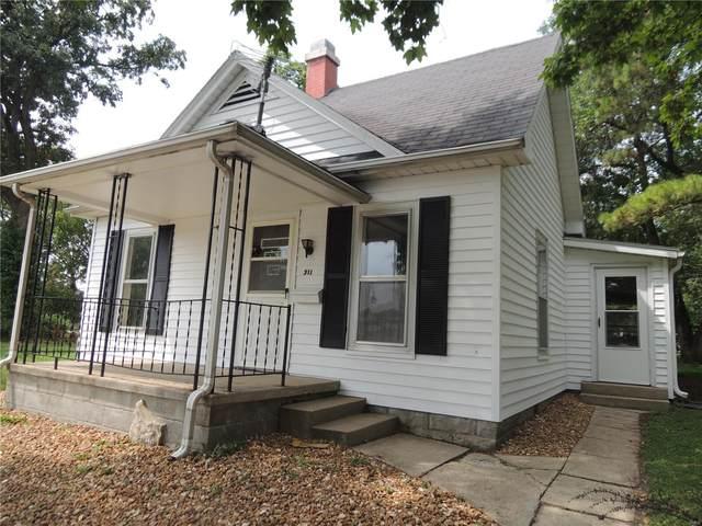 311 S 4th Street, Greenville, IL 62246 (#21045300) :: Hartmann Realtors Inc.
