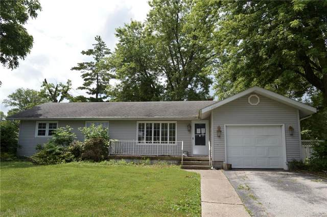 704 W Mulberry, Jerseyville, IL 62052 (#21045390) :: Innsbrook Properties