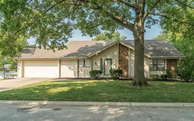 32 Saint Cloud Court, Lake St Louis, MO 63367 (#21046374) :: St. Louis Finest Homes Realty Group