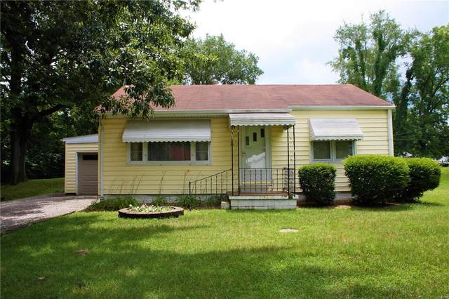 704 S 16th Street, Belleville, IL 62220 (#21046633) :: Parson Realty Group