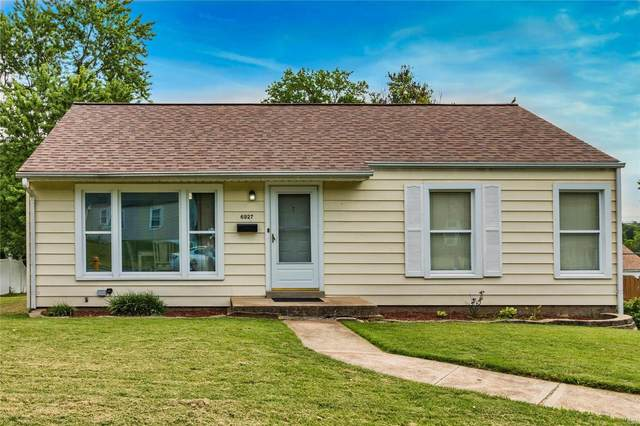 6927 Greenholly Drive, Affton, MO 63123 (#21047749) :: Parson Realty Group