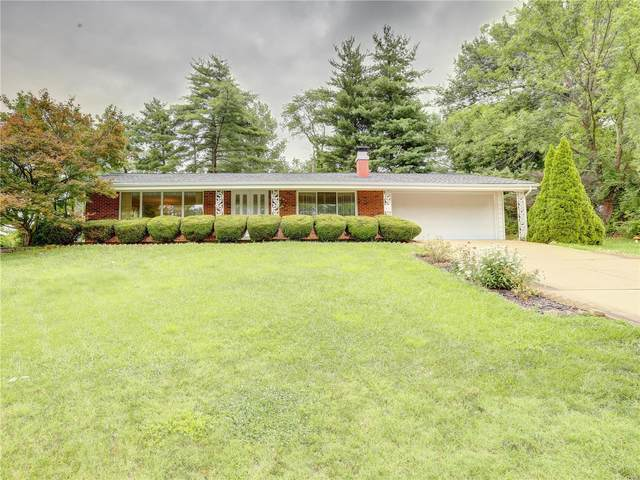3 Meadow Lake Drive, St Louis, MO 63146 (#21048658) :: Parson Realty Group