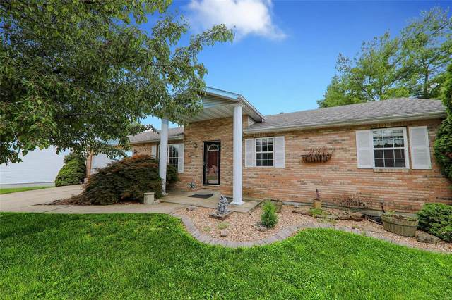 155 Northview, Highland, IL 62249 (#21048814) :: The Becky O'Neill Power Home Selling Team