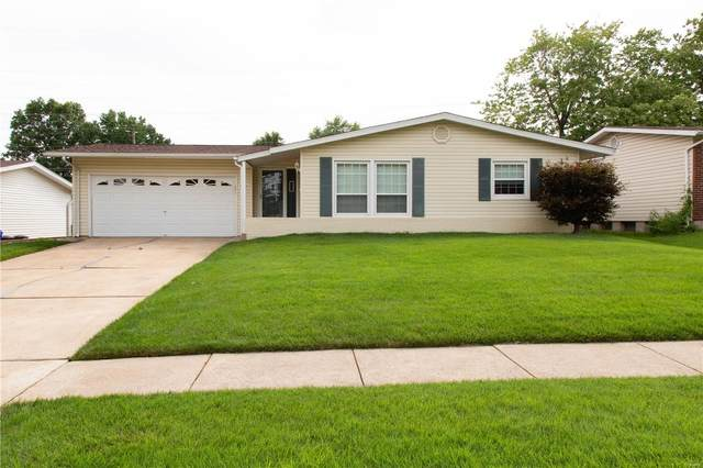 1370 Madison, Florissant, MO 63031 (#21050589) :: Parson Realty Group