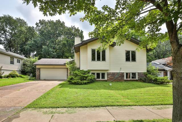 1112 Hollyberry Drive, Ballwin, MO 63021 (#21052007) :: Parson Realty Group