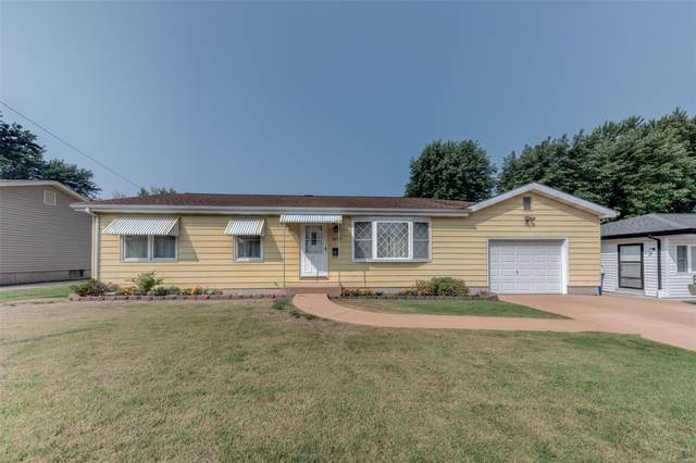 2633 Holiday Lane, Saint Charles, MO 63301 (#21052680) :: Reconnect Real Estate