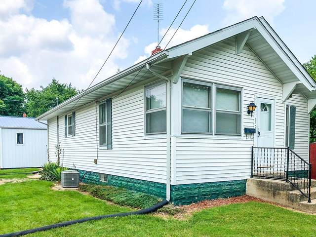 701 E Chestnut Street, GILLESPIE, IL 62033 (#21052708) :: The Becky O'Neill Power Home Selling Team